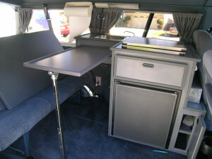 1995 Ford Aerostar XL with Country Homes Kitchen